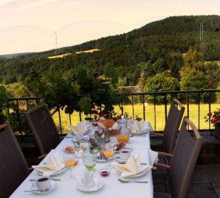 Frühstück Terrasse Landhaus Müllenborn