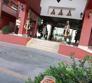 Eingang Siam Elegance Hotels & Spa