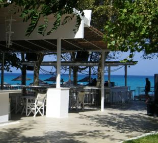 Bar przy plaży Hanioti Village Hotel