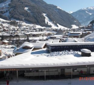 Ausblick auf Gondel u. Ort (vom 3.OG) Hotel Roslehen