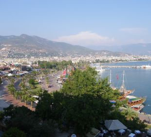 A left hand view of Alanya from our bedroom. smartline Kaptan