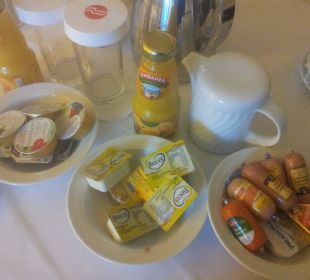 Frühstück auf dem Zimmer Ramada Nürnberg Parkhotel