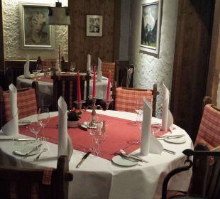 Frühstücksbereich Morgens / Abends Restaura Romantik Hotel Sonne