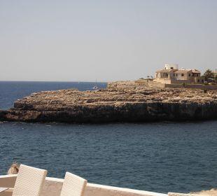 Über die kleine Bucht geschaut von der Terrasse JS Hotel Cape Colom