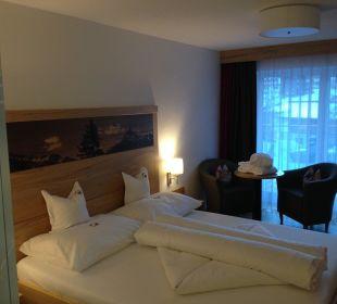 Bett & Sitzecke Zimmer Ballunspitze Alpinhotel Monte