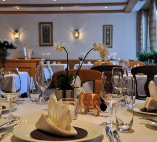 Restaurant (Grosser Saal): schön gedeckt! Romantik Hotel Hornberg
