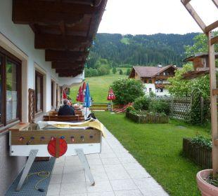 Möglichkeit zum Essen im Grünen  Hotel Klausenhof