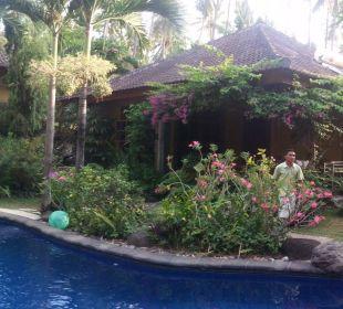 Saraswati - mit Kadek versehentlich doppelt  Saraswati Holiday House