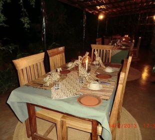 Abendessen Octagon Safari Lodge