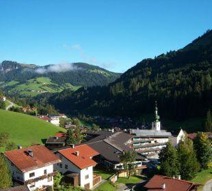 Blick aus der Gondel der Schatzbergbahn aufs Haus Schatzberg-Haus