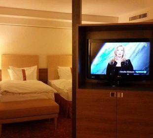 Drehbares TV :-) Hotel Holiday Inn Nürnberg City Centre