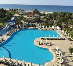 Pool Side Sun Bella Resort & Spa