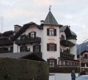 Straßenansicht Hotel Staudacherhof