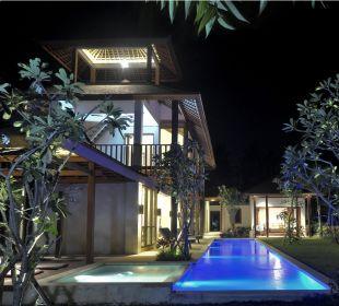 Rumah Isah am Abend Nusa Indah Bungalows & Villa