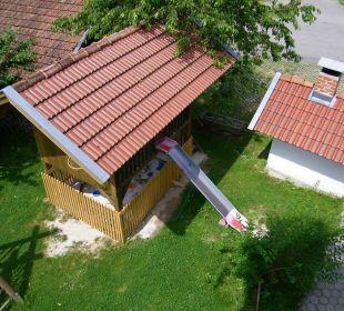 Spielhaus mit Rutsche und Sandkasten Ferienbauernhof Kilger