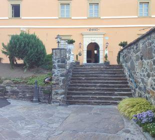 Eingang zum Hotel Burghotel Deutschlandsberg