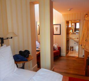 Bett 2 Stufen höher als Restraum Romantik Seehotel Sonne