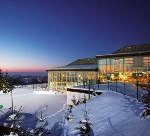 Außenansicht Winter Nacht IFA Schöneck Hotel & Ferienpark