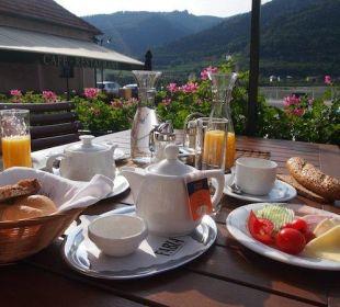 Frühstück auf der Sonnenterrasse Gasthaus Prankl