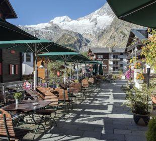 Sonnenterrasse mit Gletscherblick  Sunstar Boutique Hotel Beau-Site Saas-Fee