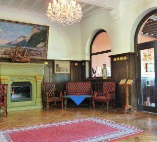 Lobby mit Kamin Schlosshotel Ralswiek