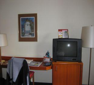 Schreibtisch mit Fernseher Achat Premium Hotel Neustadt/Weinstraße