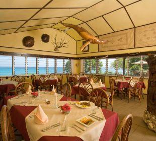 Genießen Sie unser Dinner in schönem Ambiente Sandy Beach Resort Tonga