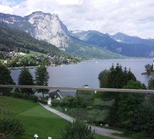 Blick vom Restaurant auf den See Mondi-Holiday Seeblickhotel Grundlsee