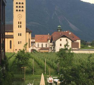 Aussicht auf PäGarten Richtung Kirche  Hotel Schwarzschmied