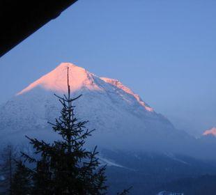 Sonnenaufgang - Blick vom Balkon a.d. Hohe Munde Alpenhotel Karwendel