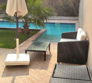 Pool Bild Zugang Villa 01