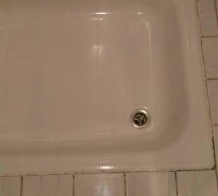 Dusche mit schwarzen Fugen Hotel Walkner
