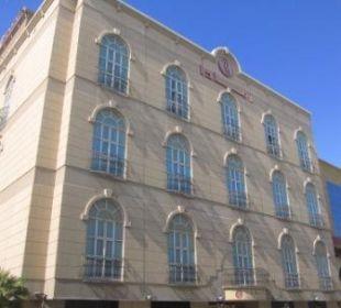 Eingangsseite Ramada Hotel & Suites Al Khobar