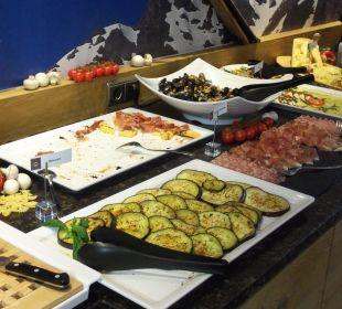 Vorspeisen Italienisches Buffet Alpinhotel Monte