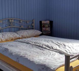 Winziges Schlafzimmer Camping & Bungalows Marina dErba Rossa