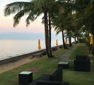 Strand Hotel Chong Fah Beach Resort
