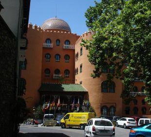 um die Kurve von der Alhambra kommend Hotel Alhambra Palace