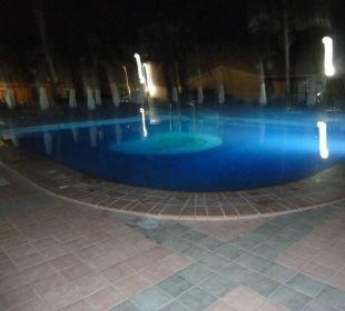 Poolanlage klein nachts  Dunas Suites&Villas Resort
