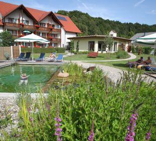 Natur-Schwimmteich Hotel Zur Linde