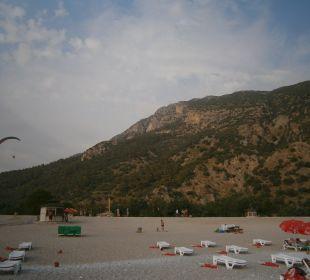 Verejná pláž asi 4 minutky od hotelu NOA Hotels Club Sun City