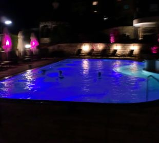 Moonlight-Swimming im beheizten Außenpool Romantischer Winkel SPA & Wellness Resort
