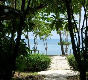 Direkter Weg von unserer Beach Villa zum Strand Hotel Mercure Koh Chang Hideaway