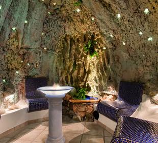 Aromagrotte mit 66 beleuchteten Bergkristallen Hotel Bergkristall