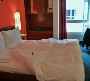 Zimmer mit Fenster gegen Altstadt Hotel Basel