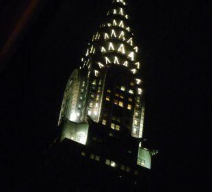 Blick vom Zimmer abends aufs Chrysler Buliding Hotel Westin New York Grand Central