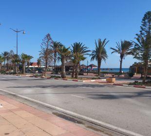 Richtung Yachthafen Hotel Vincci Marillia