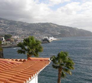Blick auf den Hafen von Funchal Hotel The Cliff Bay (PortoBay)