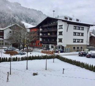Vom Zimmer in den Ort Hotel Heigenhauser