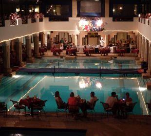 Pool und italienisches Restaurant