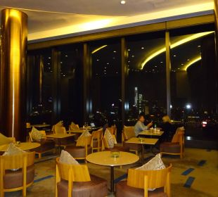 Cafe im obersten Stock mit Aussicht Hotel Harbour Grand Hong Kong